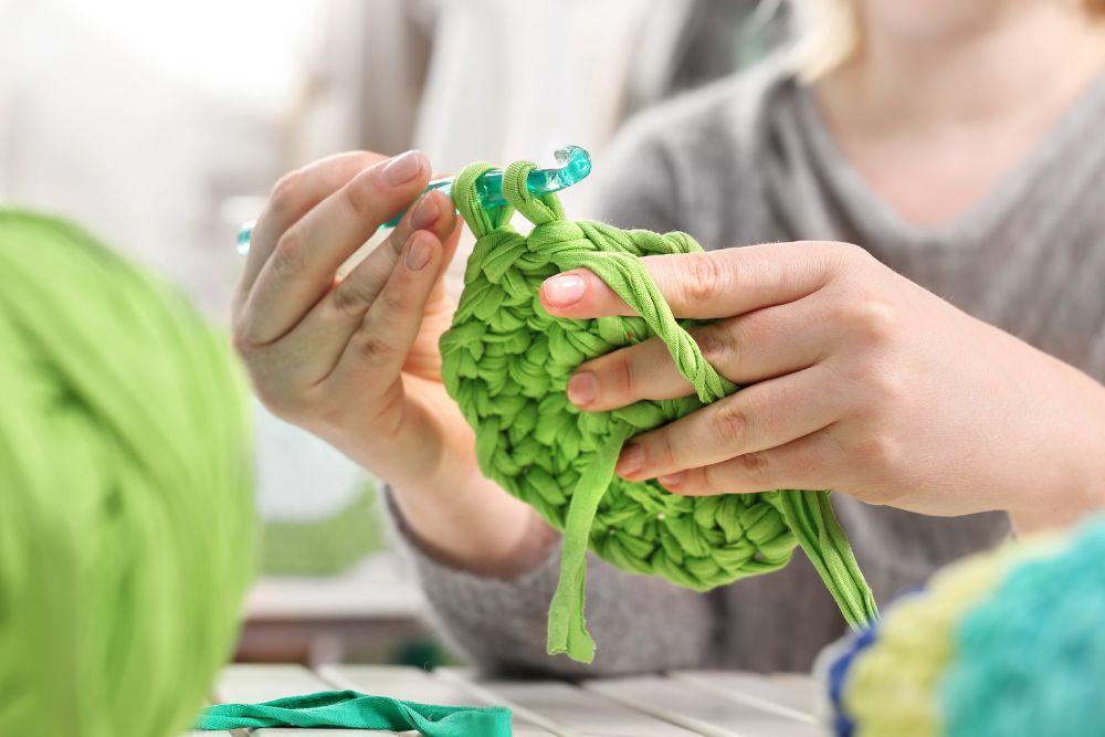 Crocheting learning curve of knitting vs. crochet