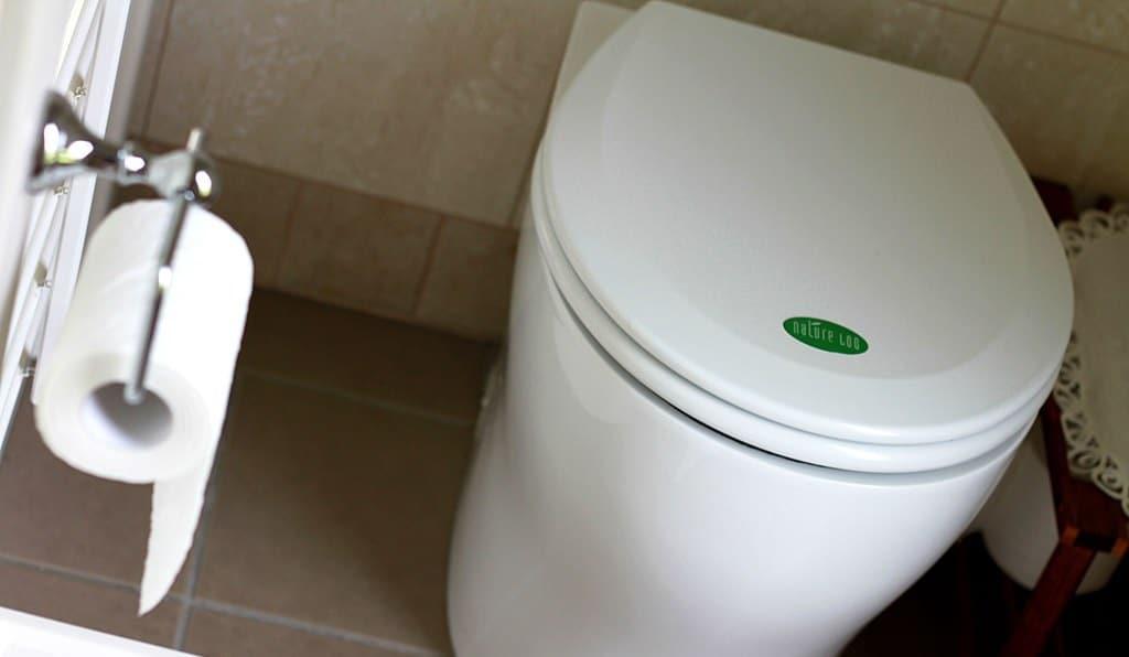 Composting Toilet 2