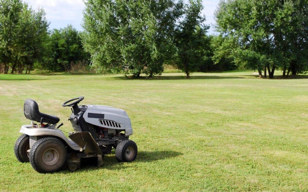 What to Look for in the Best Garden Tractors