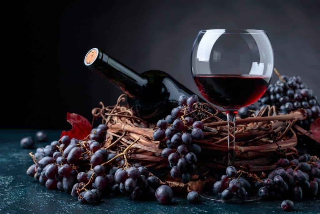 Merlot vs. Cabernet - Wine With Grapes