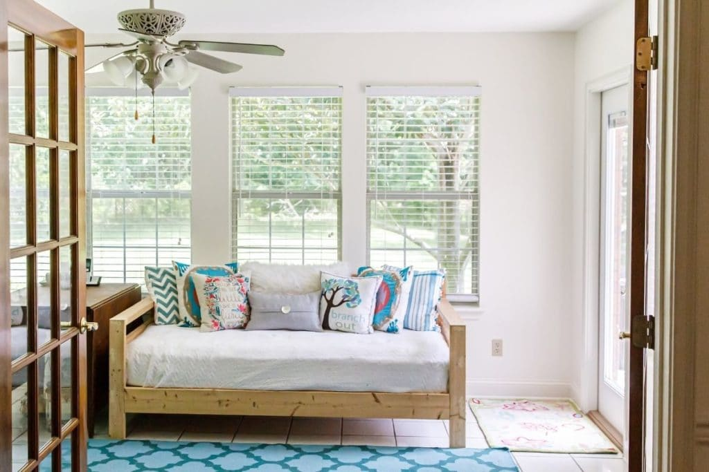 Daybed vs. Futon - Daybed