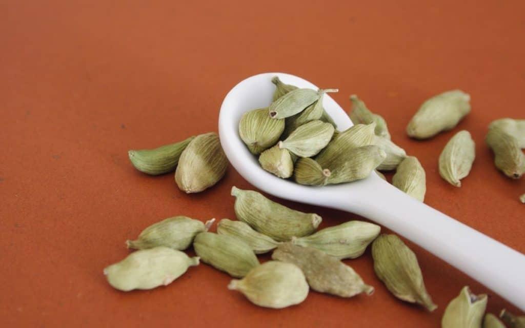 Cardamom benefits of chai tea