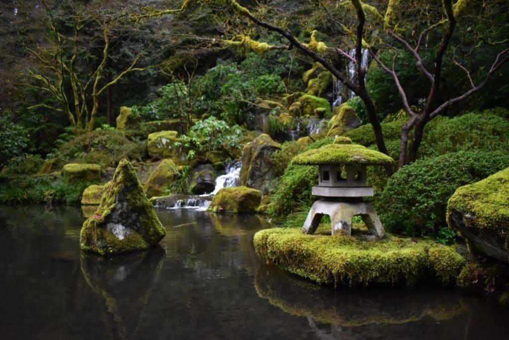 Elements of How to Make a Zen garden