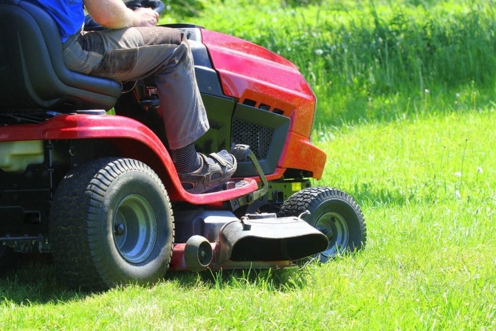 Best Riding Lawn Mowers attachments