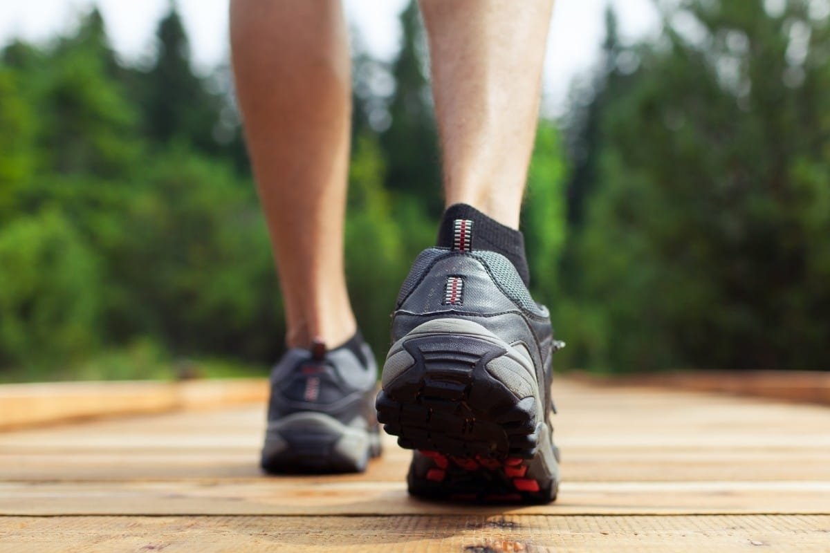 Best Walking Shoes for Men with Flat Feet